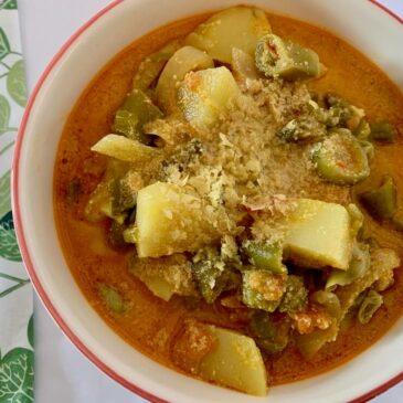 Broad bean recipe from Spain, cazuela de habasabas