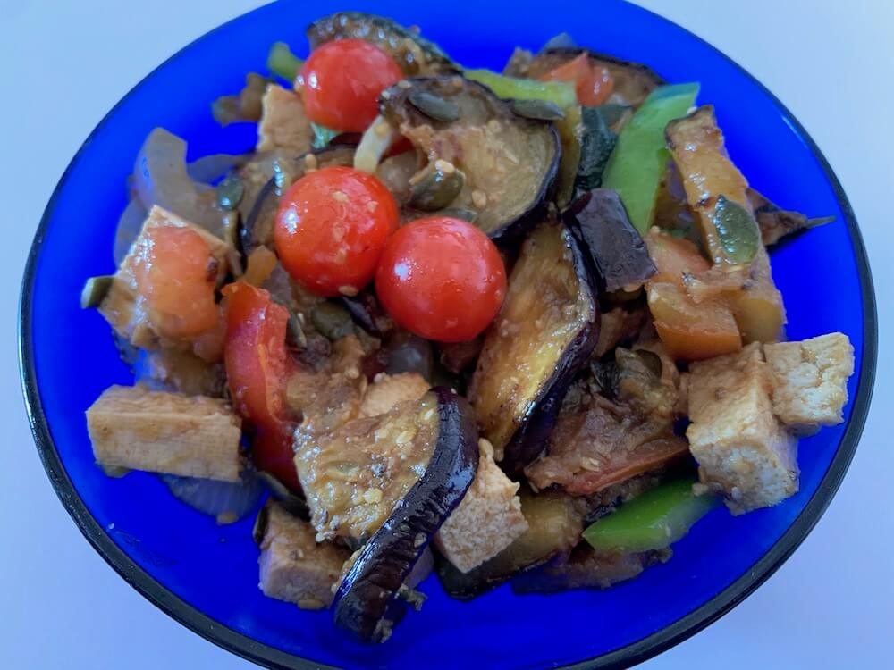 Complete grilled summer vegetable salad with tofu