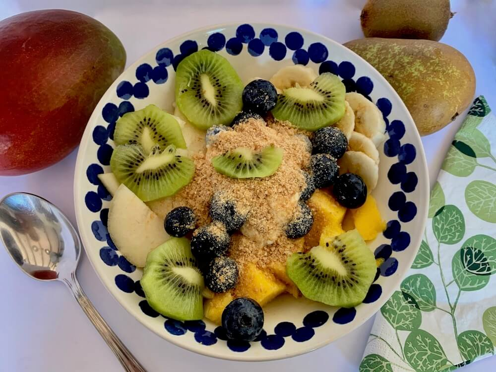 Fruit bowl with flax seed on top