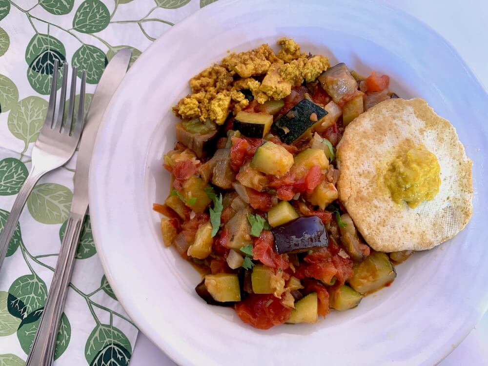 Spanish pisto with tofu egg