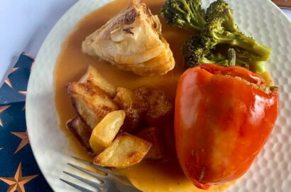Stuffed red pepper, roast cabbage, roast potatoes, broccoli and gravy