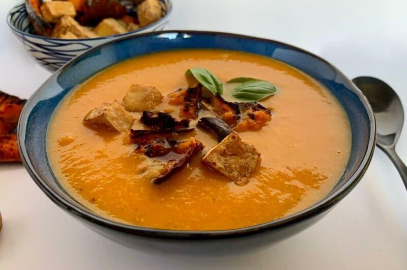 Easy Roasted Pumpkin Soup