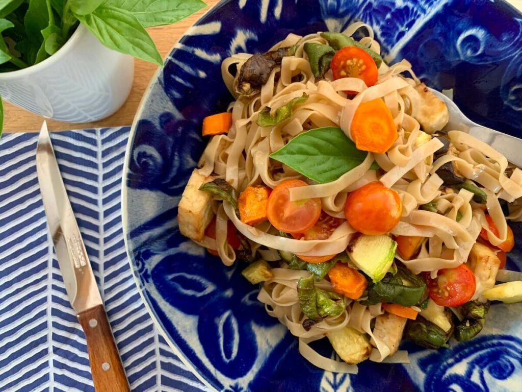 Oil free noodles with air fried vegetables